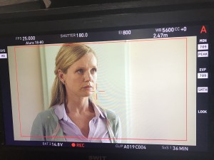 """Kim-Sarah Brandts während der Dreharbeiten zu """"Familie Dr. Kleist – Bitteres Glück"""". ©Kim-Sarah Brandts 2019"""